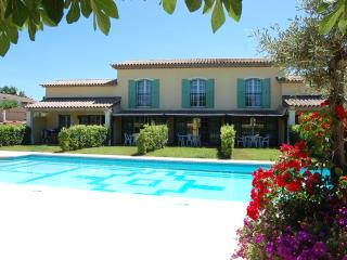 Gorgeus Villa SaintTropez Apart Pool Parking Wi Fi, Saint-Tropez