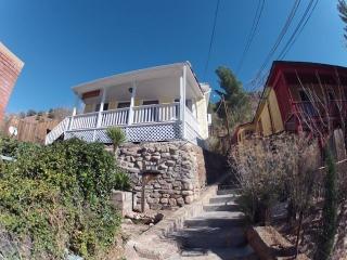 Bisbee Guest Cottages El Cielito & Tuckaway