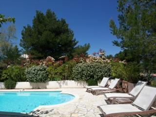 Traditional Provencal style villa with private pool on the French Riviera, sleeps 6