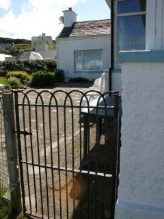 Access to cottage from harbour/beach