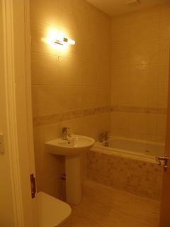 Family Bathroom with Bath