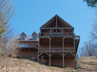 Stunning 5BR Heavenly Retreat in Wolf Laurel w/ Upgraded Furnishings, Large Deck, & 40-Mile Views!