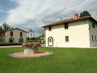 Villa Accioly 11 + Villa Pozzo Antico - Combination of three houses in a small T