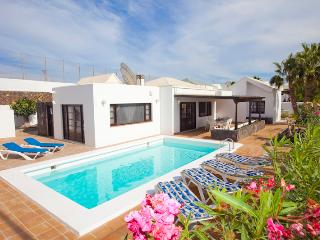 3 bedroom Villa in Puerto del Carmen, Canary Islands, Spain - 5080131