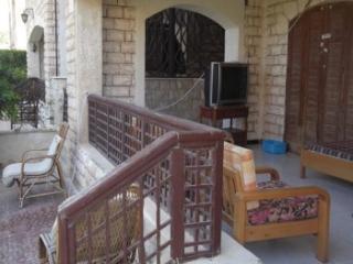 461 - Villa - Non Standalone / 2 Bedrooms, Al Alamayn