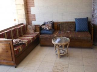 469 - Apartment - Ground Floor / 4 Bedrooms, Alexandria