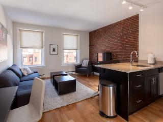 Back Bay Boston Furnished Apartment Rental - 304 Newbury Street Unit 5