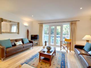 3 The Mariners - Luxury town house to sleep 8 located on the Sandbanks Peninsula, Bournemouth