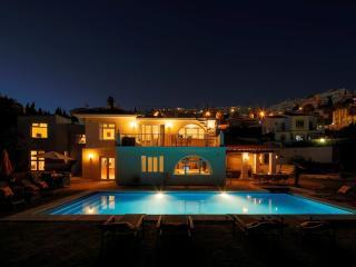 Villa Bella.