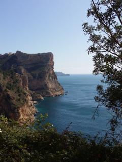 Cala Moraig, smugglers cave route; beautiful hiking trails