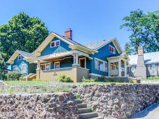 Dog-friendly 1920s craftsman-style home w/spacious deck & private sauna!