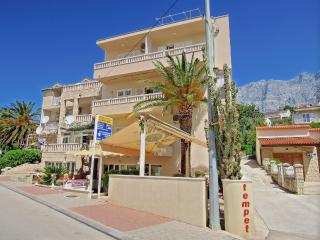 Apartments Premeru A/6-3 rooms, Makarska