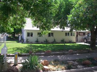 Moab Cottage by the Park