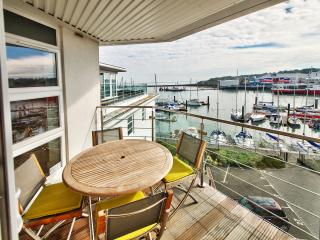 Luxury Cowes Penthouse Self Catering Accommodation with Three Bedrooms