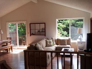 Ocean Knoll -Sleeps 10 with 4 bedrooms - Ocean Views & Decks, Trinidad
