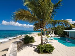 ECUME DES JOURS...4 BR with  Endless turquoise views and the peaceful sound of waves await you, St. Maarten
