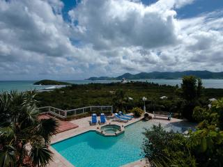 La Siesta - Ideal for Couples and Families, Beautiful Pool and Beach, Terres Basses