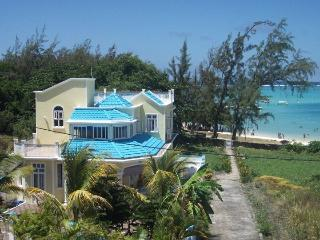 Luxury Beachfront Villa Viras, Blue Bay