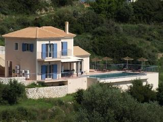 Front view of Villa Louloudia