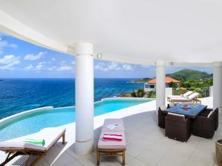 VILLA SKY BLUE... luxurious 4BR ocean view villa with fabulous water views