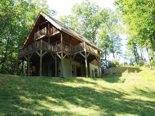 Liberty Hill is an adorable, picturesque cabin in the woods, sleeps 7