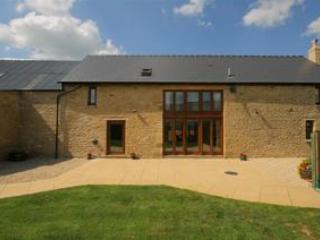 Tithe Barn, spacious barn conversion, Cotswolds