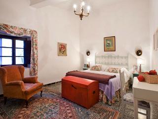 Villa della Torre - Cortile, Lucardo