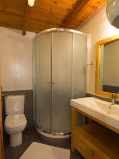 Garden appartment bathroom (cottage)