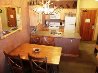 Ski-in/Ski-out, 1 bed, 1 bath at Sunstone Lodge