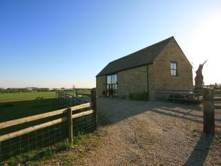 Gallery Barn, nr Burford with amazing views, Leafield