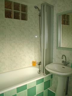 En suite bathroom to main bed room