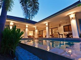 Koh Samui villa with swimming pool sleeps 6