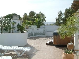 Penthouse, Ocean views, jacuzzi roof terrace, vacation rental in Fuengirola