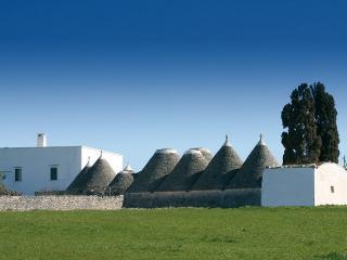 Nuovo Trulli, Top Modern Design in Historic Conic Trullo, sleeps 4