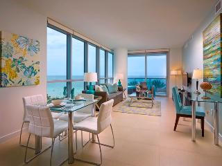 Ocean Front 1br w/balc, pkg & WiFi, Miami