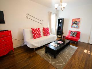 Charming 2-BR Apartment at the Historic Roads - Walking Distance to Metro-Rail, Miami