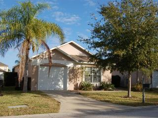 2973 3 bed villa private pool gated golf community, Haines City