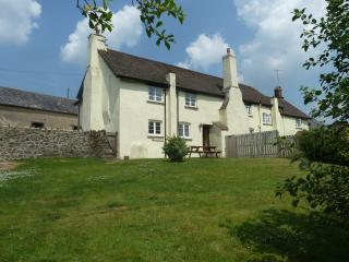 Farm holiday cottage on Exmoor's edge, Dulverton