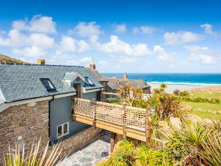 Sandpipers, a romantic cottage by the beach with superb sea views, Sennen