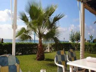 Torrox Costa relaxing comfortable 2 bed apartment