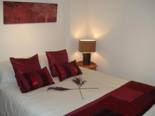 BOURNECOAST: LOVELY GROUND FLOOR STUDIO APARTMENT, NEAR TO THE BEACH - FM3001