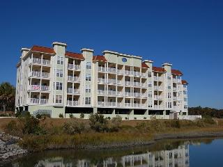 Luxury Condo Beautiful Decor & near Barefoot Landing, North Myrtle Beach