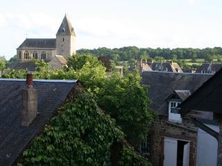 Lonlay L'Abbaye Village House, Domfront