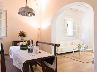 Suite Il Tinaio. Villa Caprera, Siena Farmhouse.