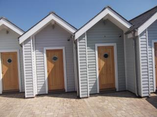 Shaldon Beach Hut 1