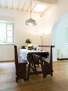 Villa Caprera. Suite Il Tinaio. Dining Room