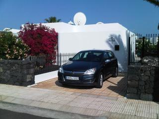 Villa Pennlee driveway