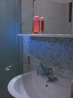 Lavandino e specchio