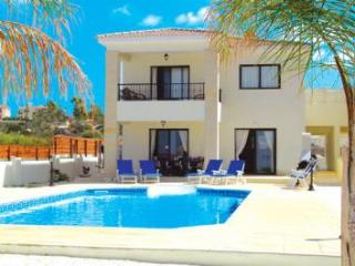 Villa Omorphi Thea, Paphos