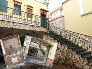 GITE LILIANA à cotè de  AMALFI, NAPLES,POMPEI...., Salerno
